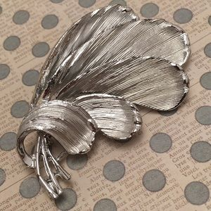 Vintage Feather Pin